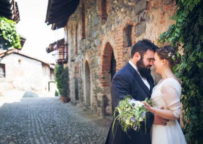 Matrimonio Etico e lo Charme del Ricetto di Candelo